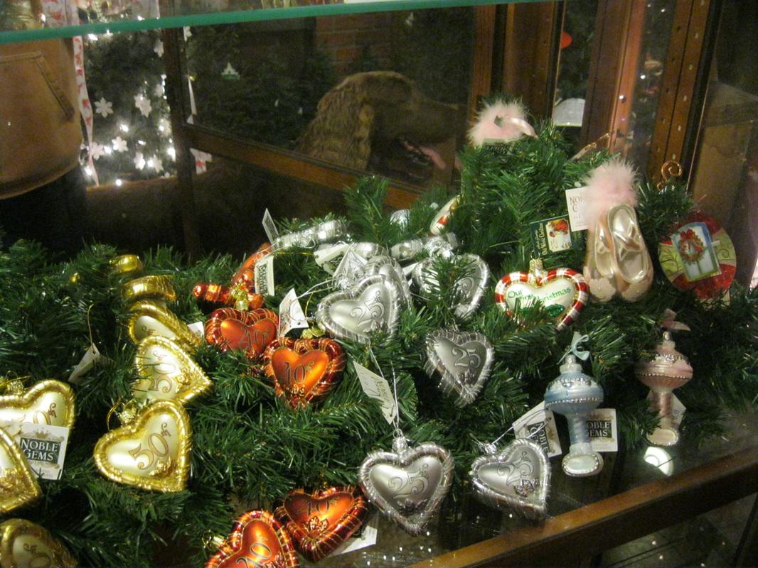 Ideas for ornaments year round... - Oakwood Farm Christmas Barn ...